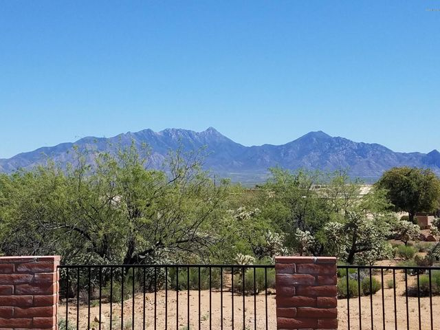 1061 W Camino Mayor, Green Valley, AZ 85614