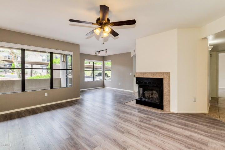 5855 N Kolb Road, 4101, Tucson, AZ 85750