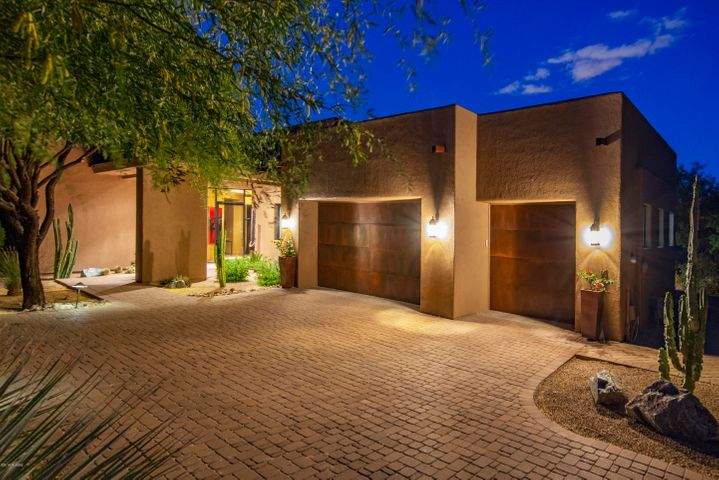 2065 S Twinkling Starr Drive, Tucson, AZ 85745