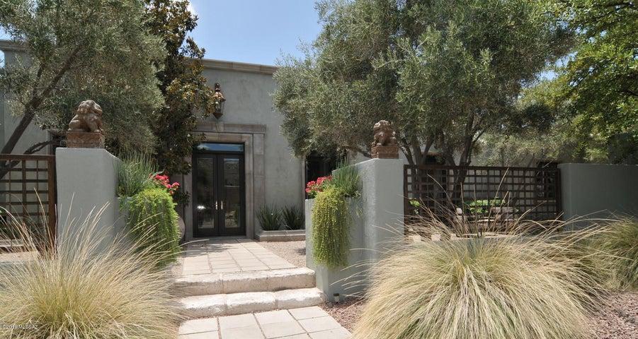 8452 E Desert View Place, Tucson, AZ 85750