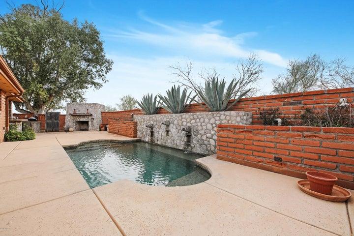 4045 N Avenida Del Cazador, Tucson, AZ 85718