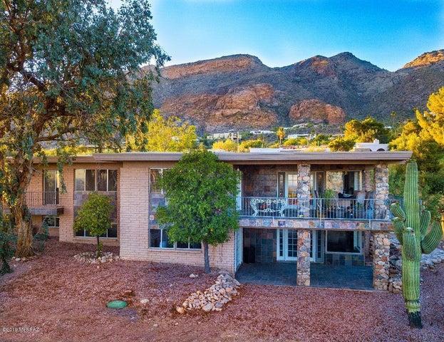 6730 N Saint Andrews Drive, Tucson, AZ 85718