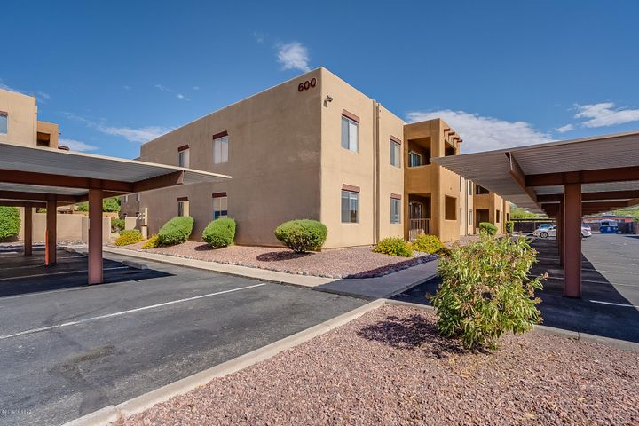 1810 E Blacklidge Drive, #601, Tucson, AZ 85719