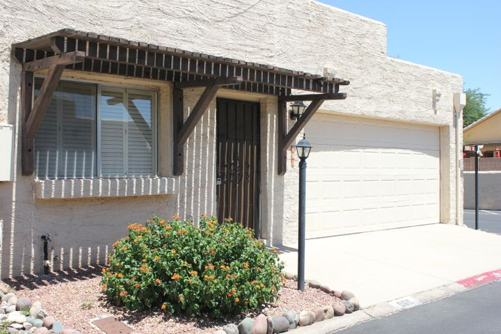 960 W Paria Lane, Tucson, AZ 85704