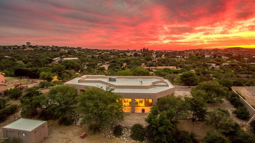 600 W Oak Hills Drive, Oracle, AZ 85623