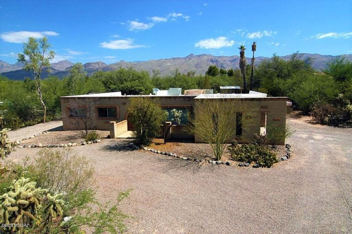 11161 E Quick Draw Place, Tucson, AZ 85749