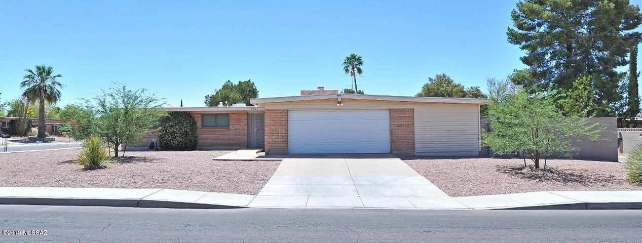 9041 E Sierra Street, Tucson, AZ 85710