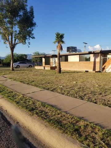 6601 E Calle Dened, Tucson, AZ 85710