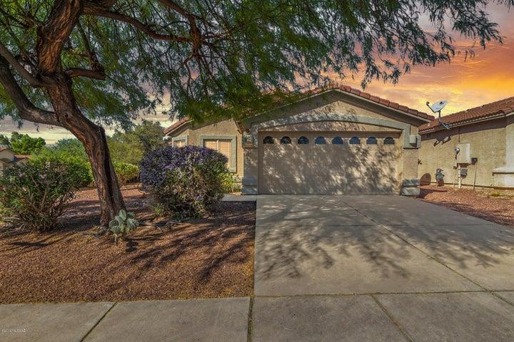 6031 N Panorama Park Drive, Tucson, AZ 85704
