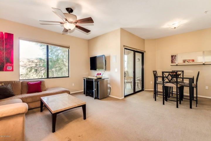 2550 E River Road, 13306, Tucson, AZ 85718