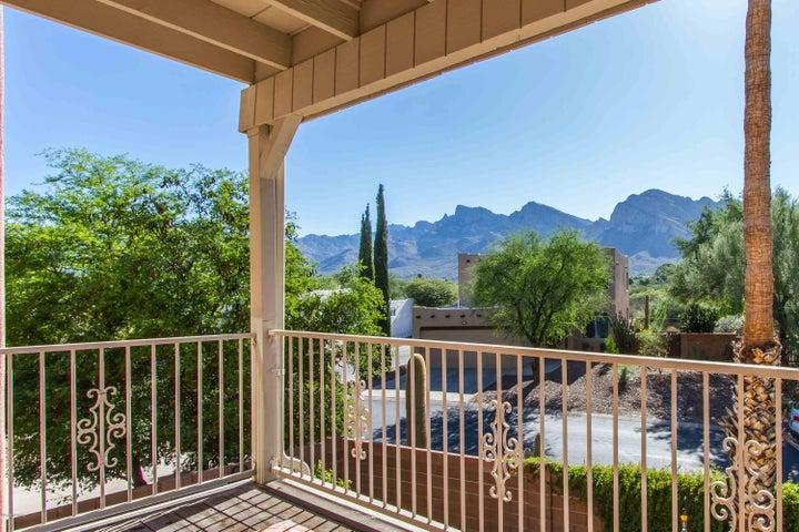 10300 N Bald Head Place, Tucson, AZ 85737