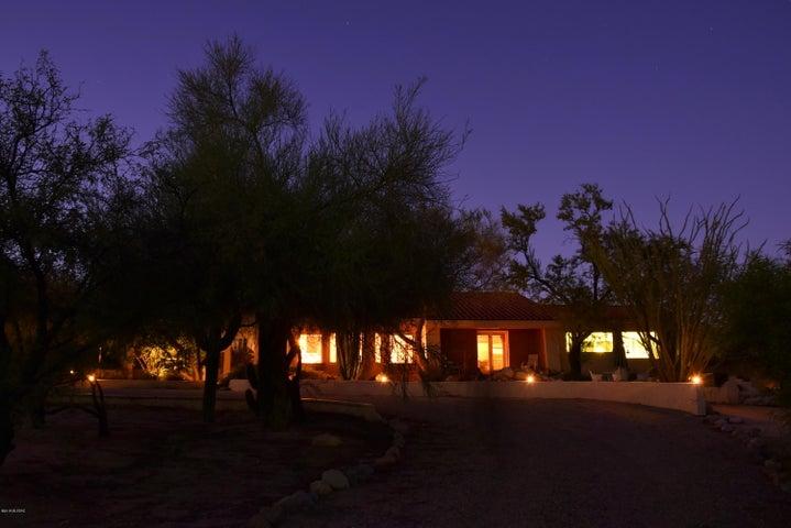 5251 E Wolfer Drive, Tucson, AZ 85739
