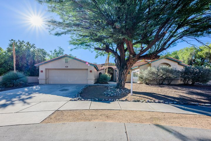 181 W Saddletree Place, Oro Valley, AZ 85755