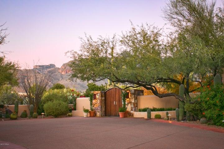 6220 N Camino Escalante, Tucson, AZ 85718