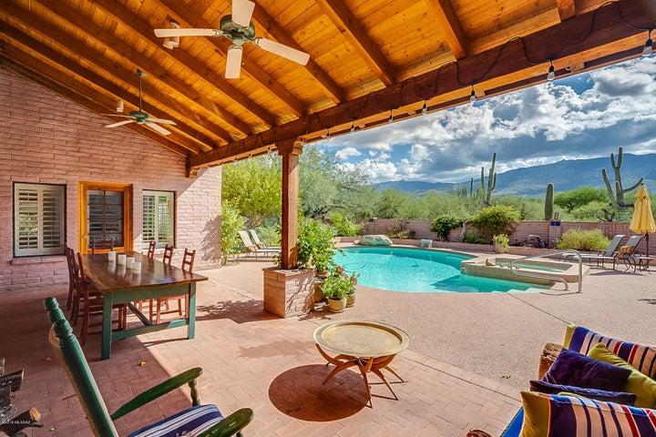 1815 N Placita Buendia, Tucson, AZ 85749