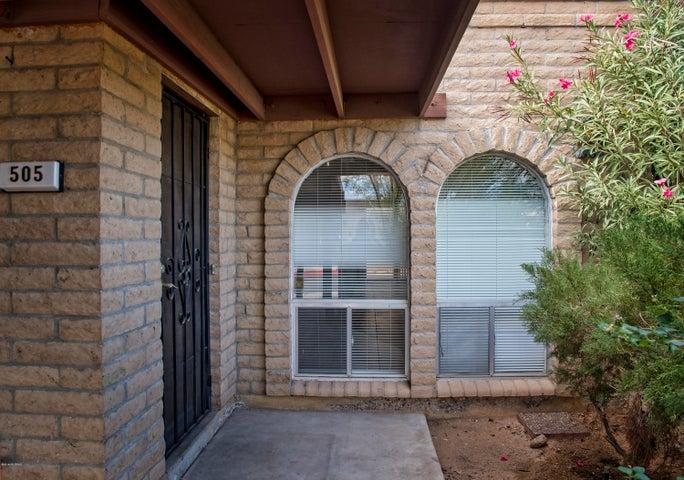 Attractive entryway