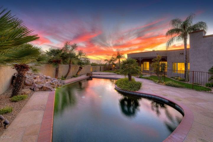 6382 N Camino Miraval, Tucson, AZ 85718