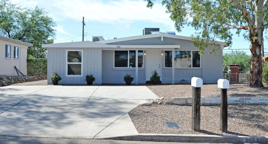 Near UofA! 6 bedrooms, 3 baths.