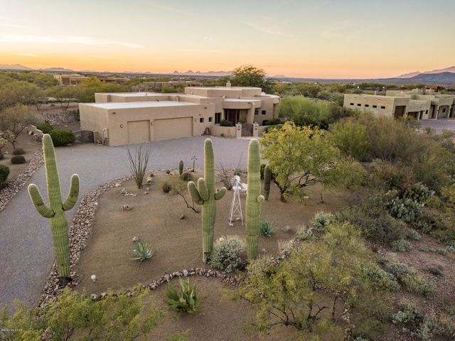 8308 S Long Bar Ranch Place, Vail, AZ 85641