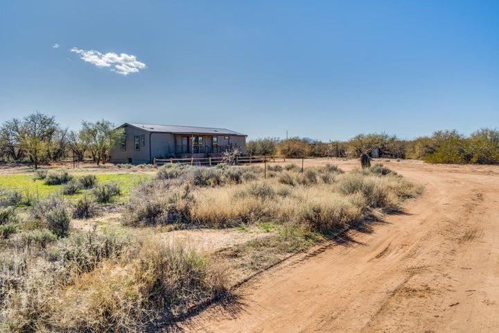 4910 S Snyder Hill Place S, Tucson, AZ 85735