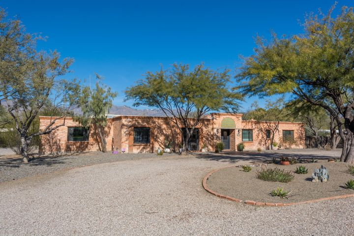 5961 E San Leandro Drive, Tucson, AZ 85715