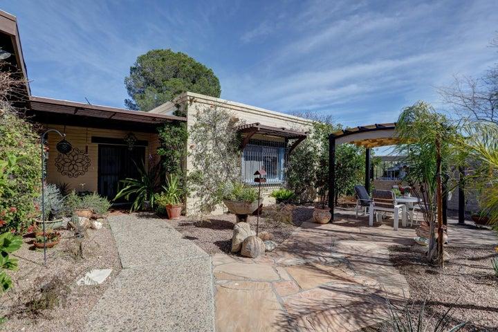 955 E Vía Velitas, Tucson, AZ 85718