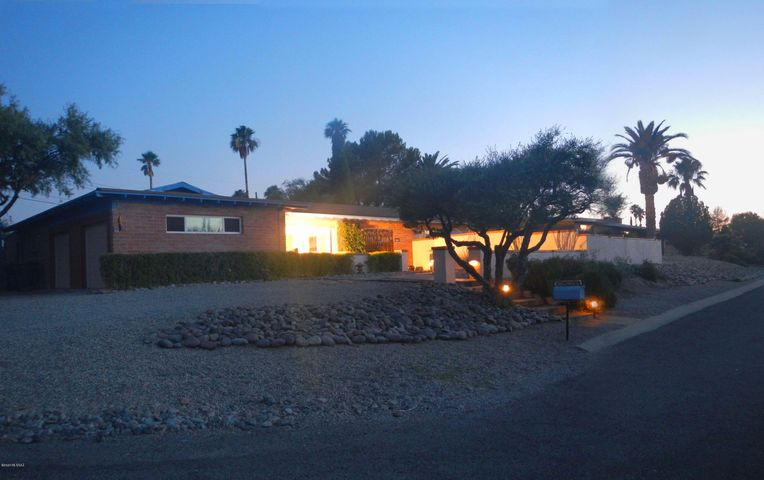 Brilliant front view of 5984 E North St at sunset/dusk!