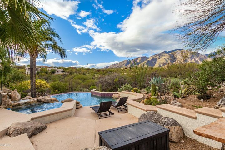 6539 E Vía Amable, Tucson, AZ 85750