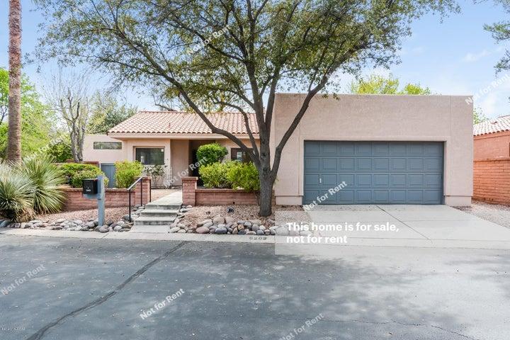 5202 E Hill Place Drive, Tucson, AZ 85712