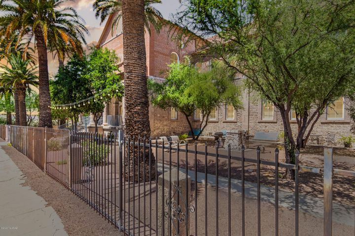 420 S 6th Avenue, 202, Tucson, AZ 85701