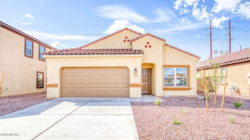Photos are of a Van Buren spec home. Interior packages, exterior elevation and color may vary.