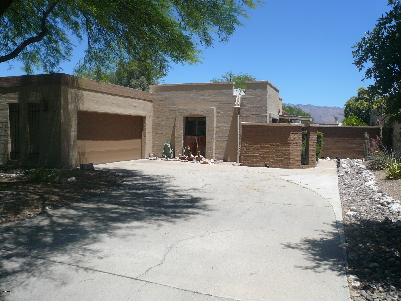 8991 E Linden Street, Tucson, AZ 85715