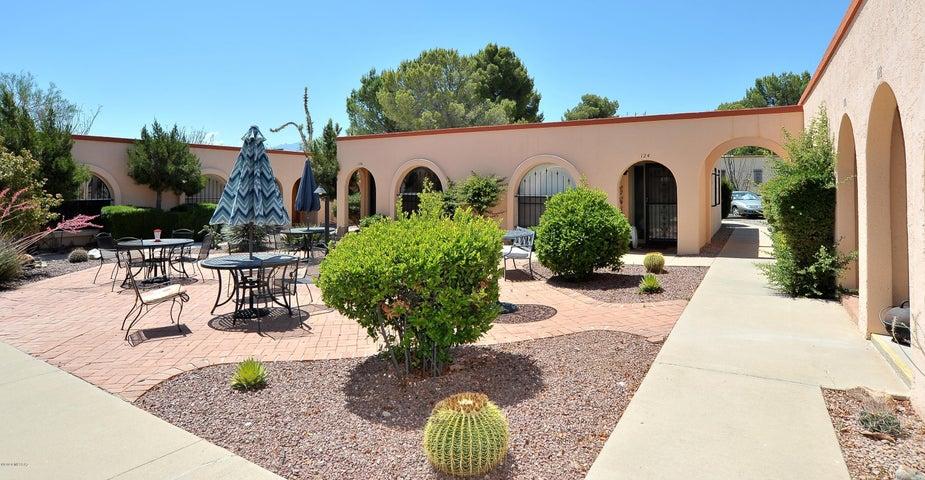 116 W Calle Del Ano, Green Valley, AZ 85614