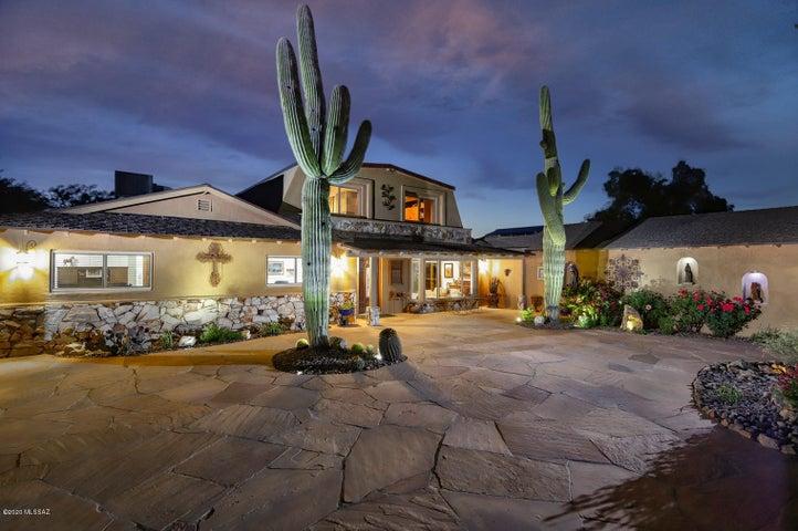 7350 S Cactus Thorn Lane, Tucson, AZ 85747