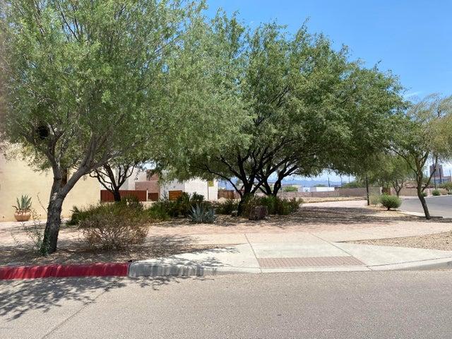 892 W Cushing Street, 83, Tucson, AZ 85745