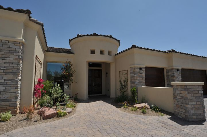 6210 N Whaleback Place, Tucson, AZ 85750