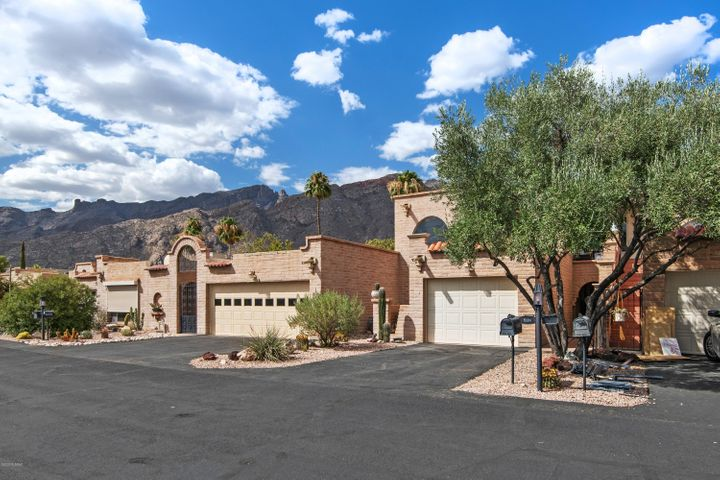 6482 N Val Dosta Drive, Tucson, AZ 85718