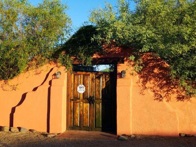 2922 E 9th Street, Tucson, AZ 85716