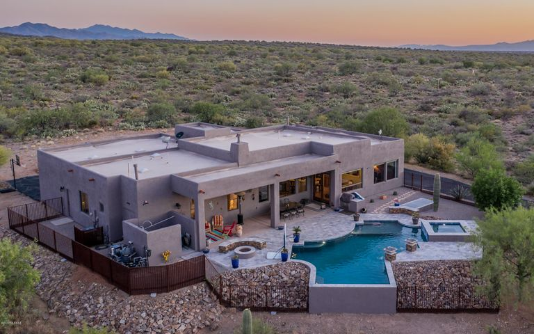 9437 S Old Soldier Trail, Vail, AZ 85641