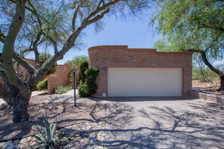5760 E Cochise Trail, Tucson, AZ 85750