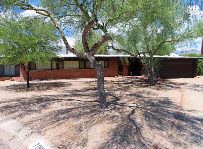7089 E Katchina Court, Tucson, AZ 85715