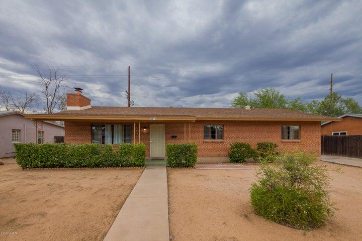 2810 E Stratford Drive, Tucson, AZ 85716