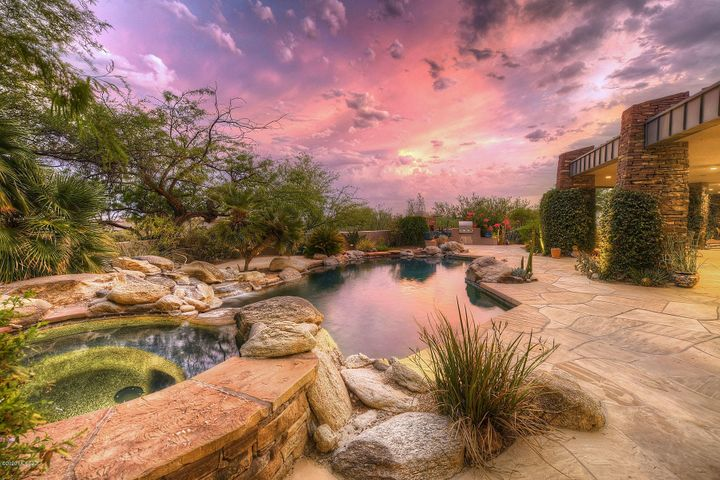 2102 E Sentry Ridge Court, Tucson, AZ 85718