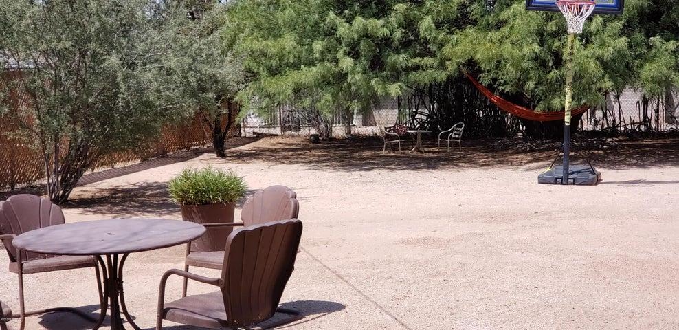 929 N Benton Avenue, Tucson, AZ 85711