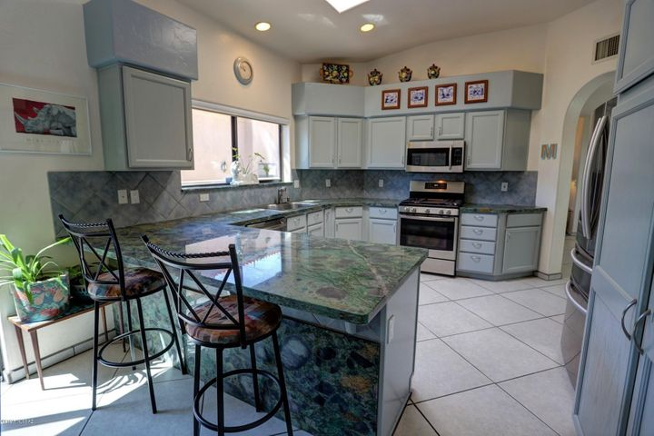 Remodeled by seller -- no expense was spared!