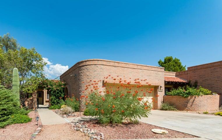8437 N Coral Ridge Loop, Tucson, AZ 85704