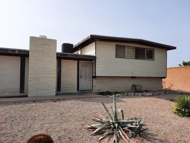 8250 E 20th Street, Tucson, AZ 85710