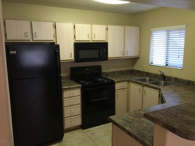 5751 N Kolb Road, 17103, Tucson, AZ 85750