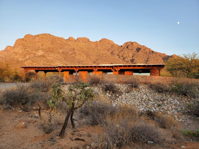 9126 N Riviera Drive, Tucson, AZ 85704