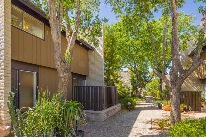 5701 E Glenn Street, 11, Tucson, AZ 85712